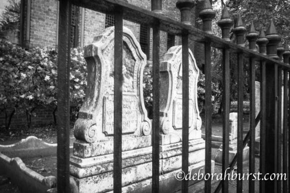 Circular Congressional graveyard fence b&w wm.jpg