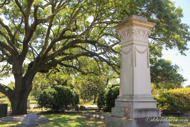 Magnolia City Cemetery monumnet low res.jpg